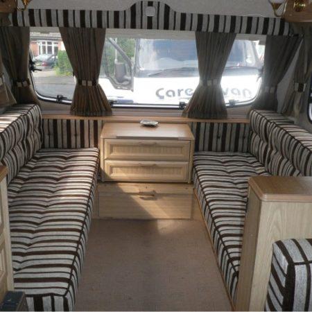 kussens laten maken voor uw caravan abb meubelstoffeerder